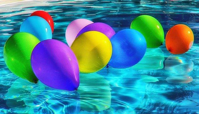 balonky v bazénu.jpg