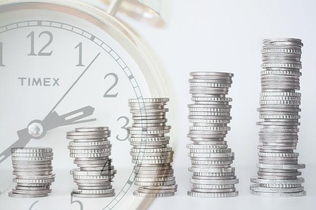 hodiny a peníze.jpg