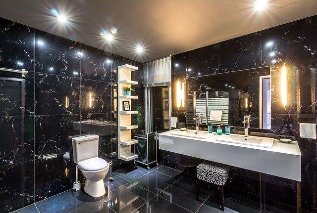Koupelka s toaletou